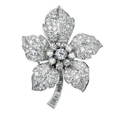 6.00 Carats Diamonds Platinum Flower Pin