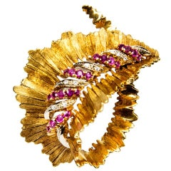 Retro Ruby Diamond Gold Leaf Heirloom Brooch Pin Estate Fine Jewelry
