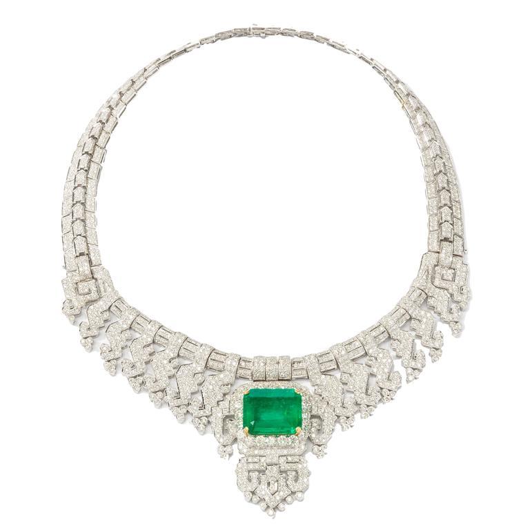 Gorgeous 24.40 Carat Emerald Diamonds Gold Necklace  For Sale