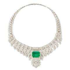 Gorgeous 24.40 Carat Emerald Diamonds Gold Necklace