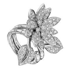 Van Cleef & Arpels Diamond Gold Lotus Ring