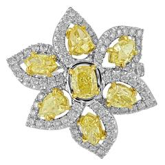 5.24 Carats Fancy Yellow and White Diamonds Gold Platinum Flower Ring