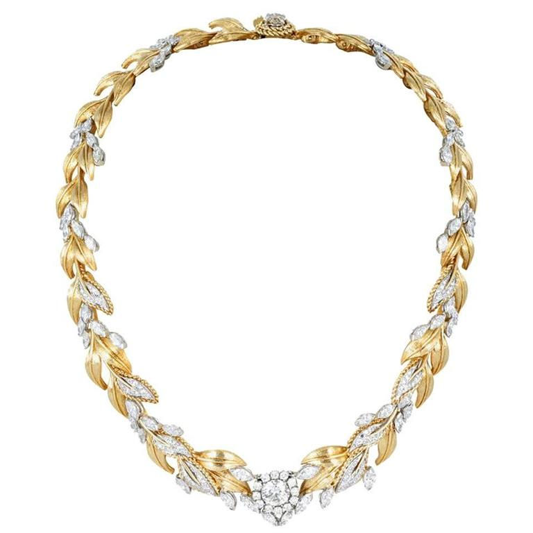 13.95 carats Diamond Leaf Motif Necklace For Sale