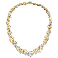 13.95 carats Diamond Leaf Motif Necklace