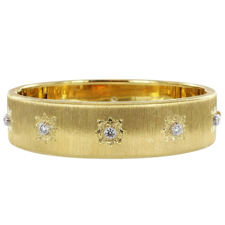 Buccellati Classica Diamond Gold Bangle Bracelet For Sale