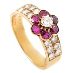 Van Cleef & Arpels Ruby Diamond Gold Flower Ring