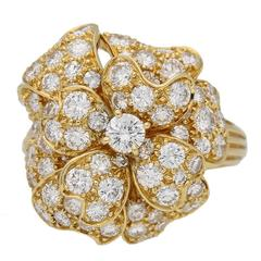 1970s Van Cleef & Arpels Diamond Gold Flower Ring