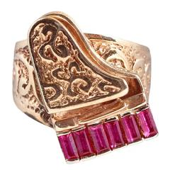 Ruby Gold Grand Piano Ring