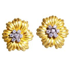 Buccellati Diamond Gold Flower Earclips