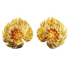 Vintage 1959 French Van Cleef & Arpels Gold Flower Earclips