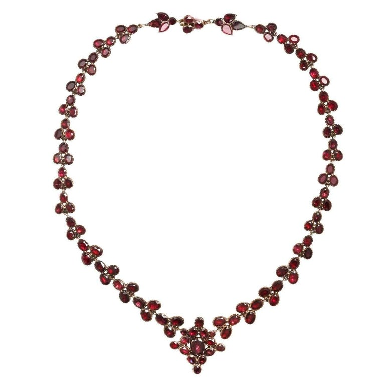 Brilliant Georgian Garnet Necklace, circa 1820 For Sale