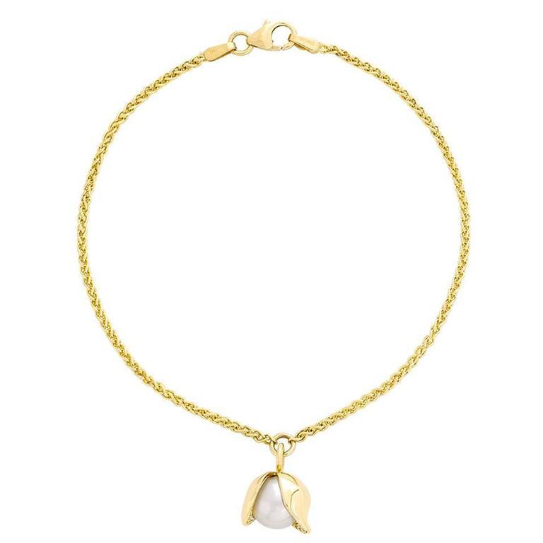 0.02 Carat Pavé-set Diamonds 18k Gold 8mm Akoya Pearl Orchid Bracelet 1