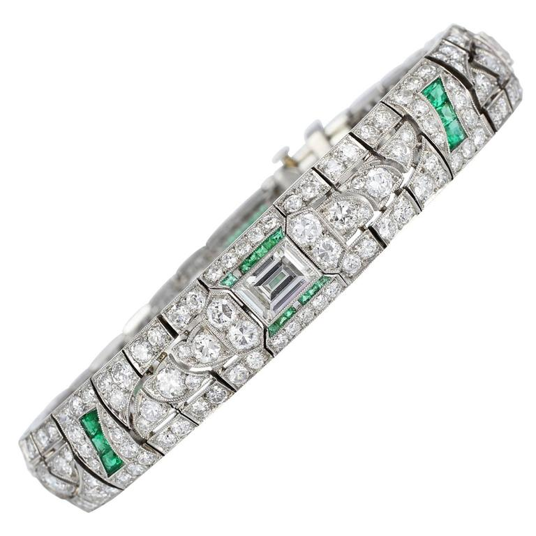 14.00 Carats Art Deco Emerald Diamonds Platinum Bracelet