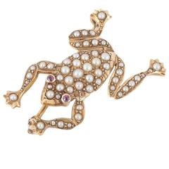 Edwardian Pearl Gold Frog Brooch