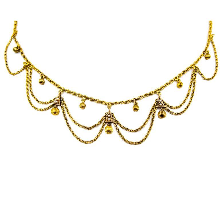 Elegant Antique Gold Scalloped Necklace