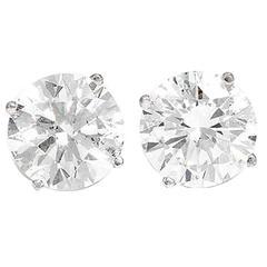 Stunning 4.13 Carats Diamonds Gold Stud Earrings
