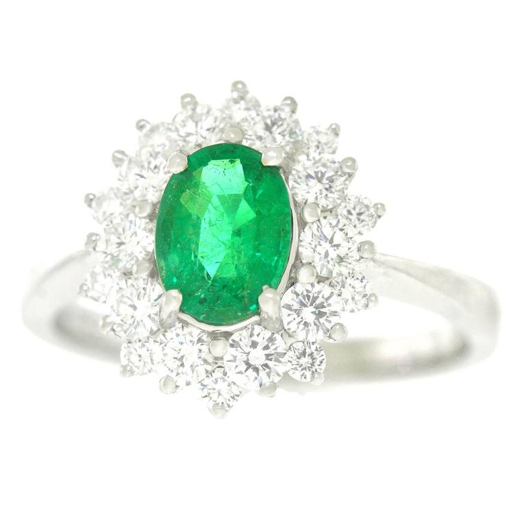 Vibrant Emerald and Diamond Ring in White Gold 1