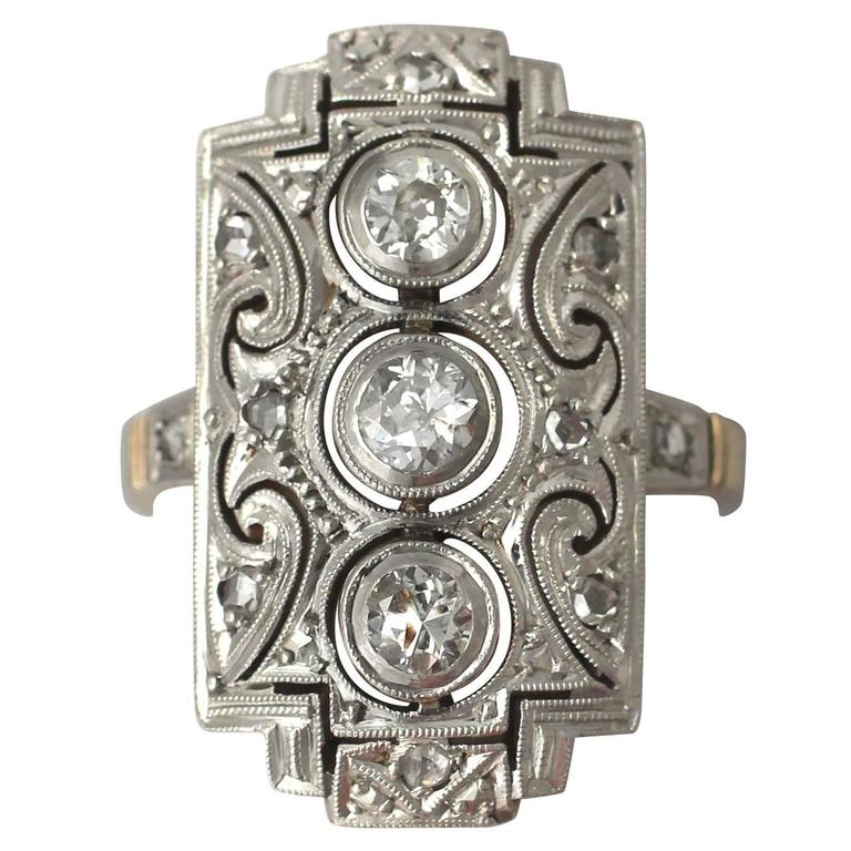 0.88Ct Diamond and 14k Yellow Gold Dress Ring - Art Deco - Antique Circa 1920 For Sale