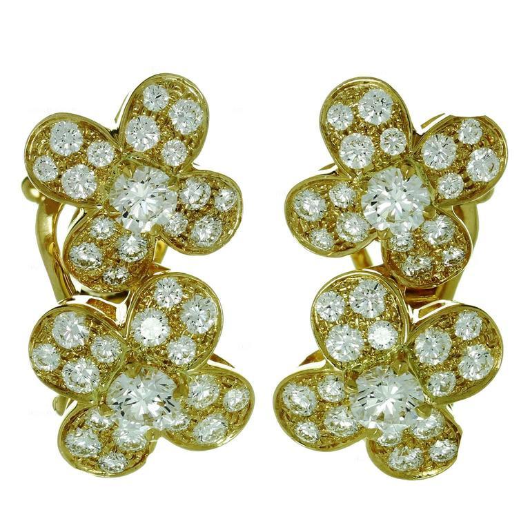 Van Cleef & Arpels Trefle Diamond Gold Flower Earrings