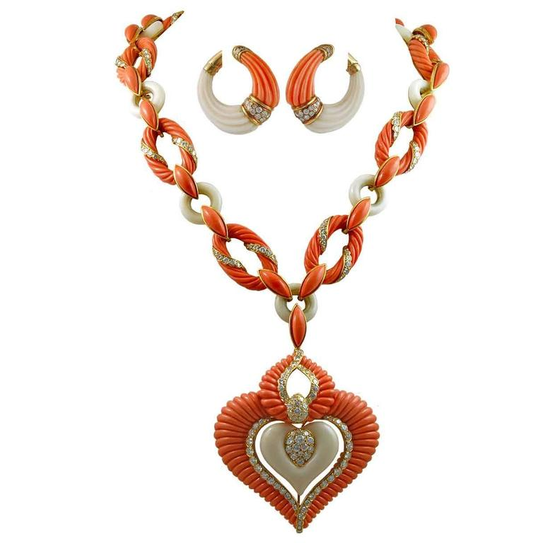 Van Cleef & Arpels Coral Diamond Gold Sautoir Necklace And Earrings