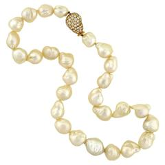 Contemporary Baroque Pearl Necklace with Diamond Gold Clasp