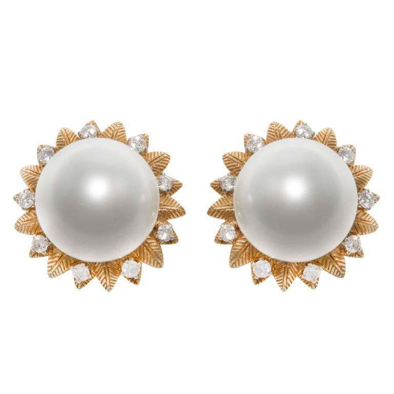 Van Cleef & Arpels Pearl Diamond Gold Earrings