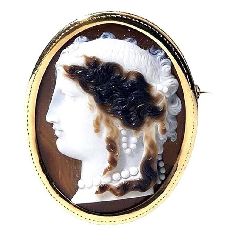 Antique Victorian Gold Agate Cameo Brooch 1
