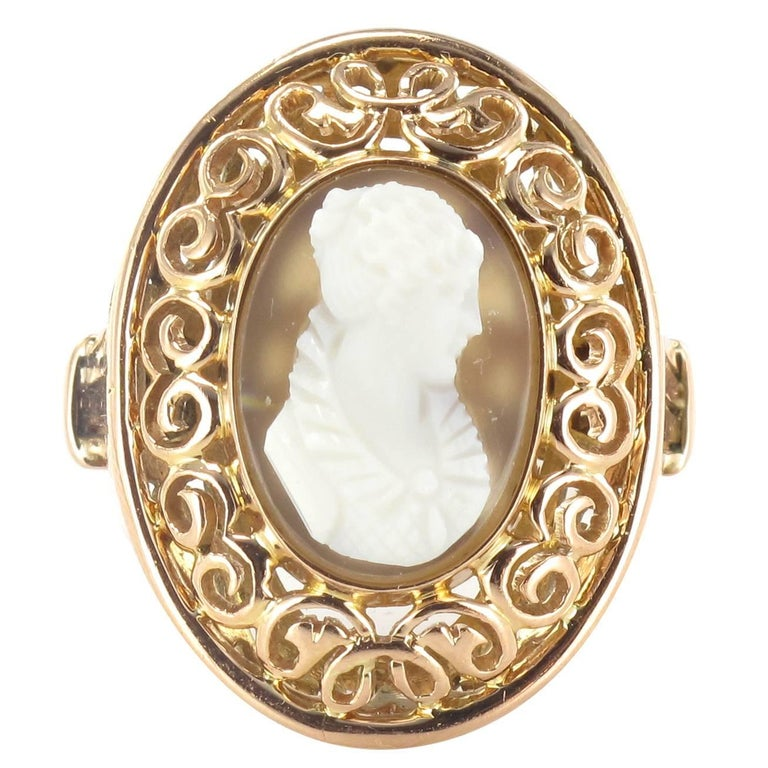Early 20th French Antique Gold Cameo Ring  For Sale