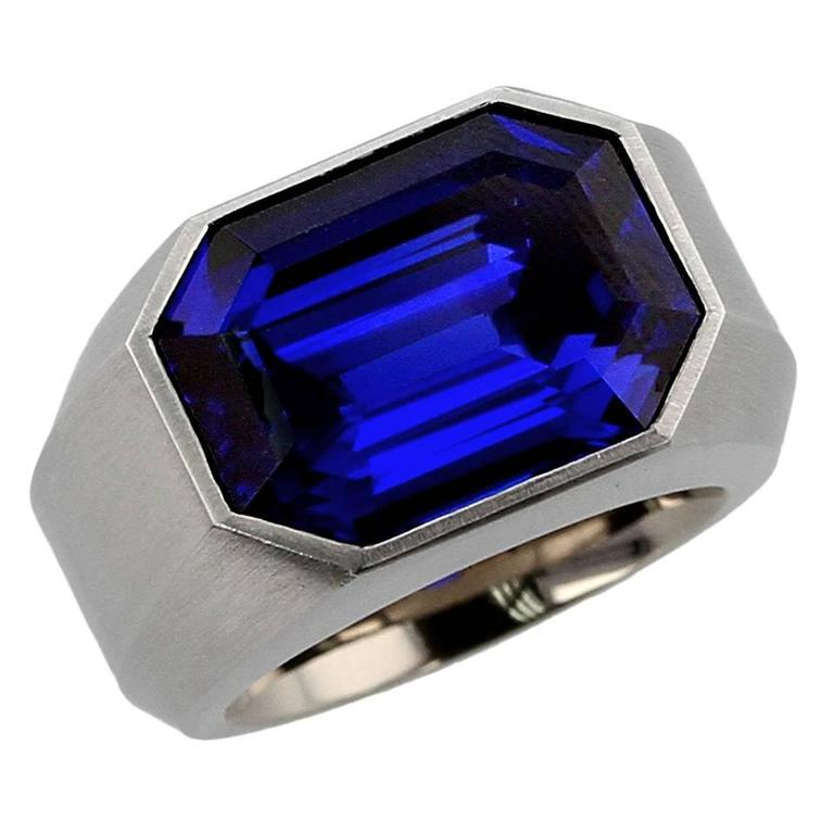 Hemmerle Royal Blue Burma Sapphire Gold Ring For Sale