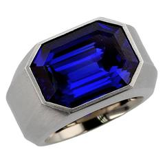 Hemmerle Exceptional Royal Blue Burma Sapphire Gold Ring