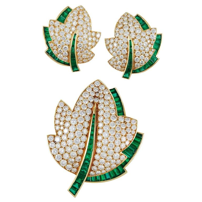 Van Cleef & Arpels Emerald Diamond Gold Leaf Brooch Set 1