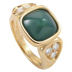 Van Cleef & Arpels Chrysoprase Diamond Gold Ring