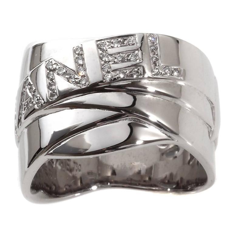 Chanel Diamond Gold Bolduc Ring 1