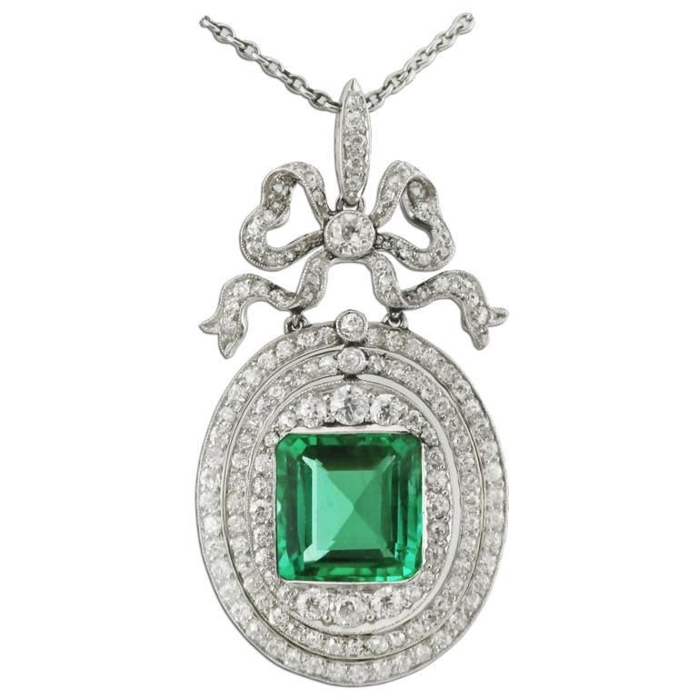 4 Carat Colombian Emerald Diamond Platinum-Topped Gold Pendant, circa 1910