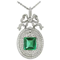 1910s Colombian Emerald Diamond Platinum-Topped Gold Pendant