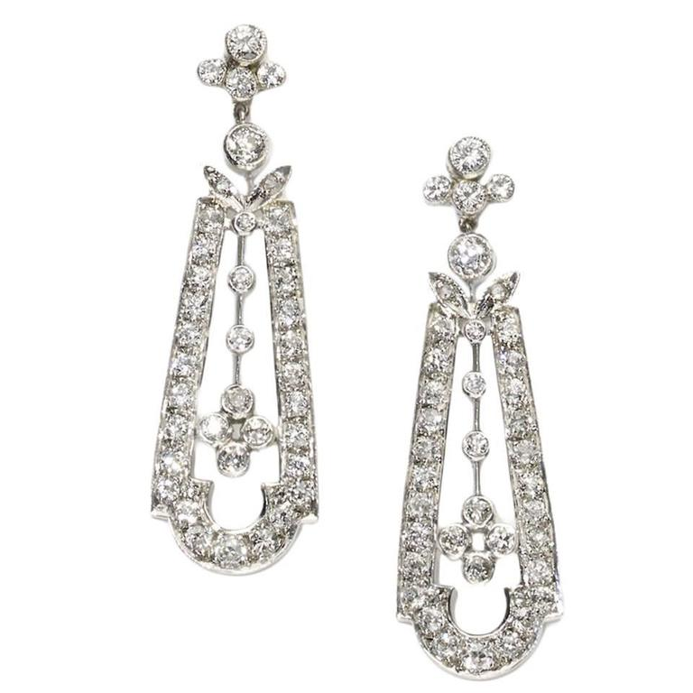 1.50 Carats Diamonds Gold Drop Earrings