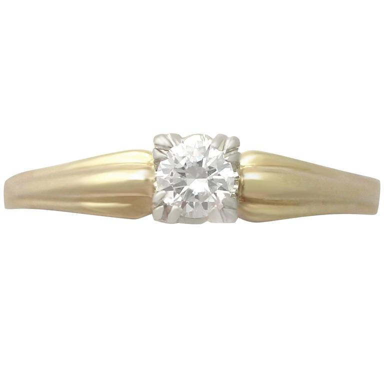 0.28Ct Diamond and 14k Yellow Gold Solitaire Ring - Vintage Circa 1990 For Sale
