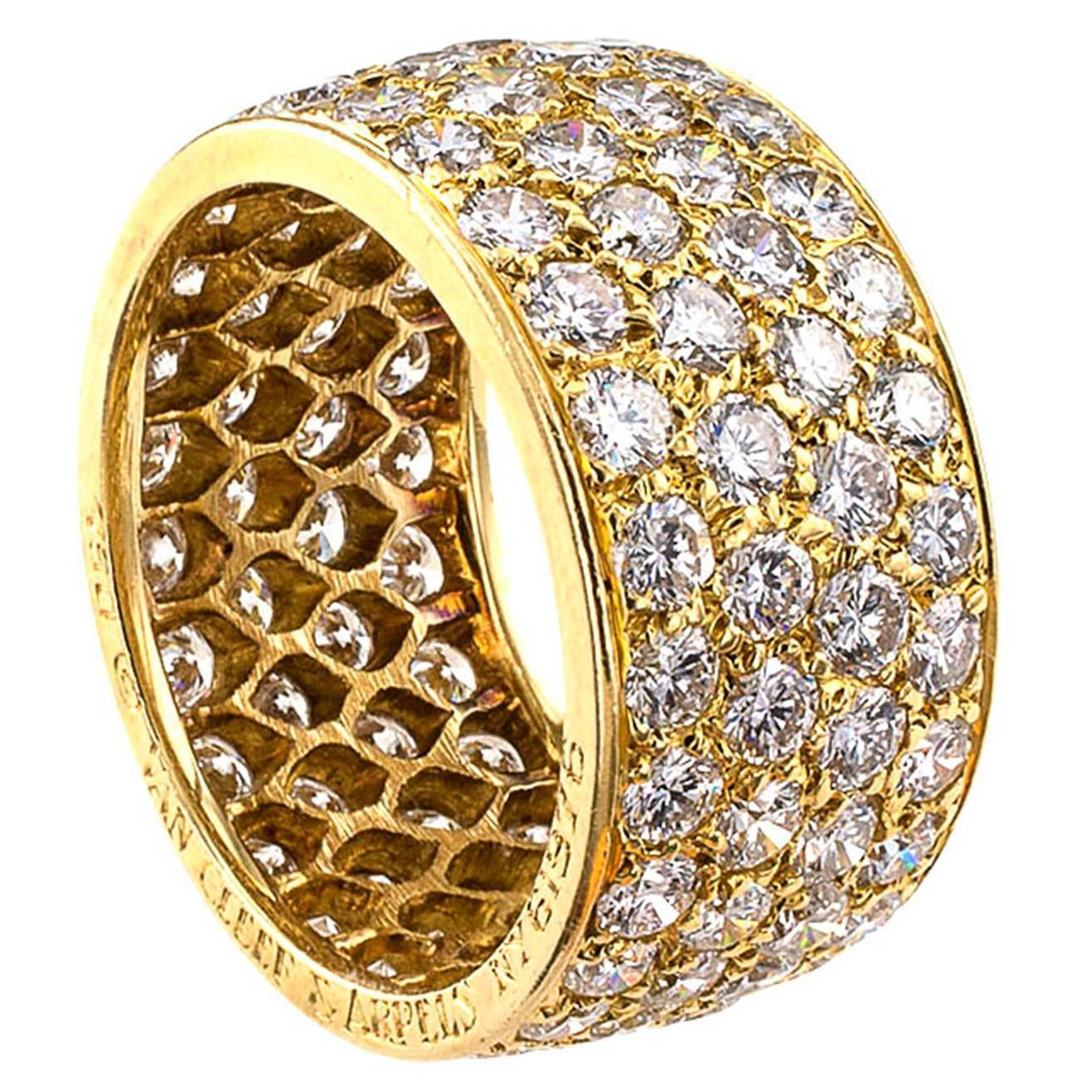 cleef and arpels wide gold four row eternity