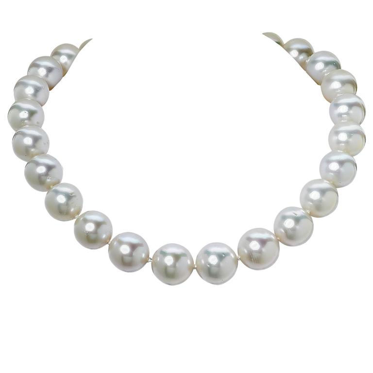 Gorgeous South Sea Pearl Necklace and Earrings