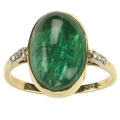 Art Deco Cabochon Cut Emerald Diamond 18 Carat Gold Ring, Circa 1920