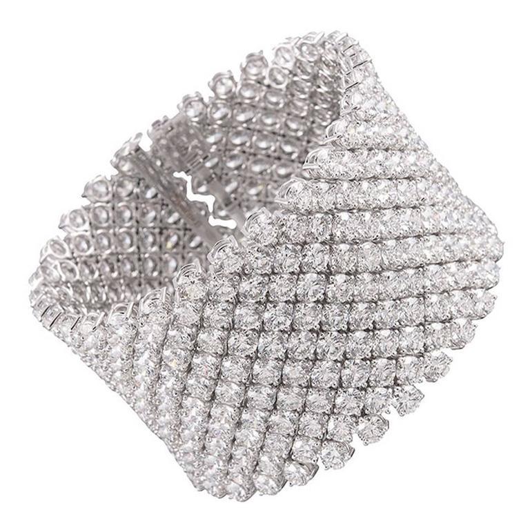 Marina B 113.51 Carats Diamonds Gold Ribbon Bracelet