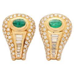 1980s Emerald Cabochon Diamond Gold Clip Earrings