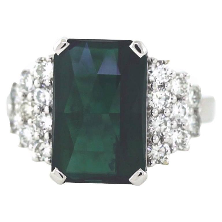 Estate 18K White Gold Green Tourmaline and Round Diamond Cocktail Ring For Sale