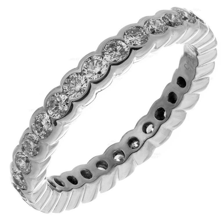 Graff Scallop Diamond Gold Eternity Band Ring