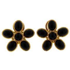 Elizabeth Locke Onyx Gold Flower Earrings