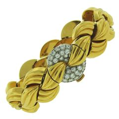 Van Cleef & Arpels Diamond Yellow Gold Ladies Wristwatch Bracelet Omega Movement