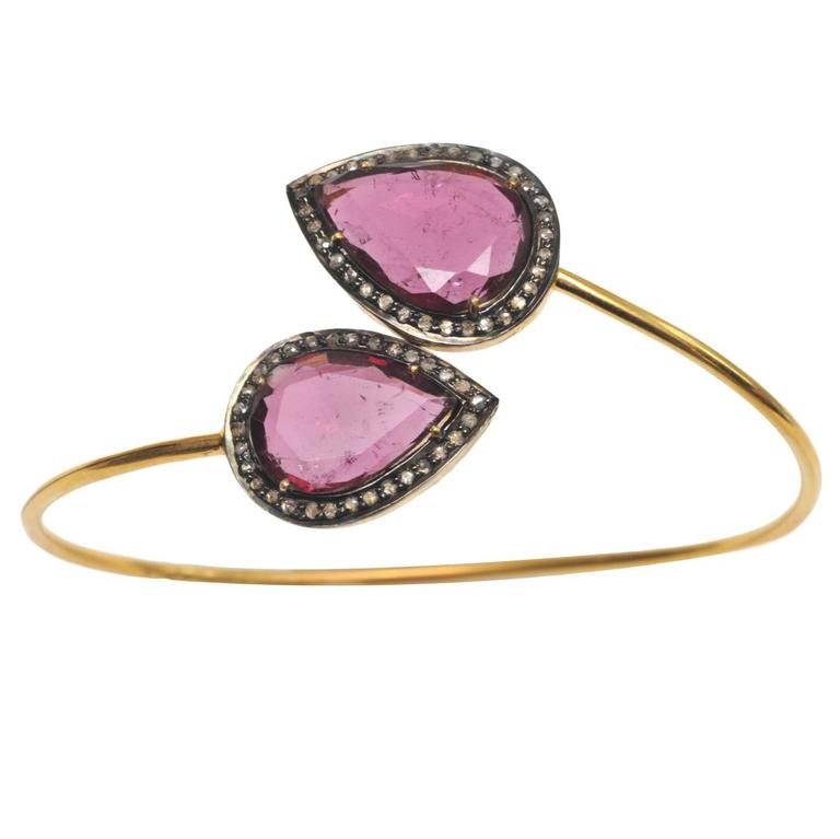 Pear-shaped Faceted Pink Tourmaline Diamond and 18K Gold Wrap Bracelet
