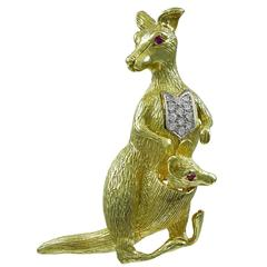 Kangaroo Mother and Baby Gold Gemset Brooch