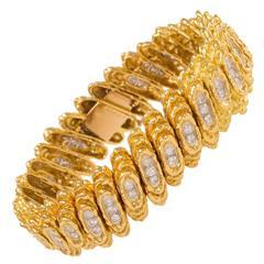 1970s Kutchinsky Diamond Textured Gold Bracelet