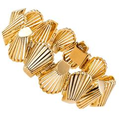 1960s Abstract Shell-Shaped Gold Link Bracelet